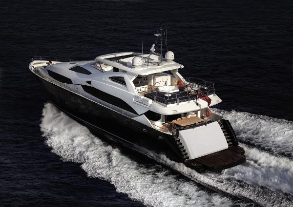 Sunseeker 34M Yacht Stern