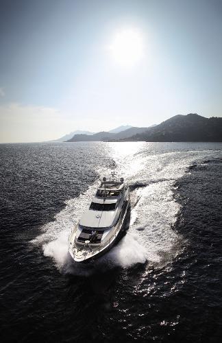 Sunseeker 34M Yacht Cruising
