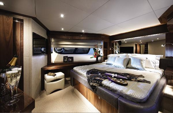 Sunseeker 28 M Yacht VIP Stateroom