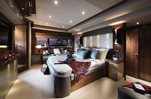 Sunseeker 28 M Yacht Owner's Stateroom