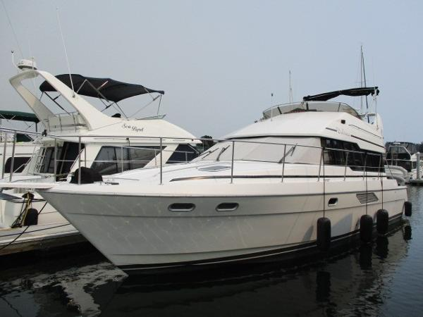 Bayliner 4388 Sedan Motoryacht