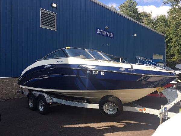 Yamaha Boats Marine SX240 High Output With Painted Trailer