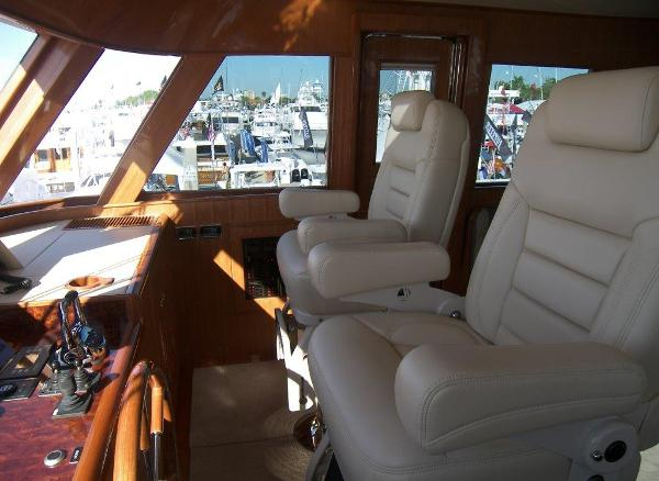 Skylounge Helm Captain Chairs