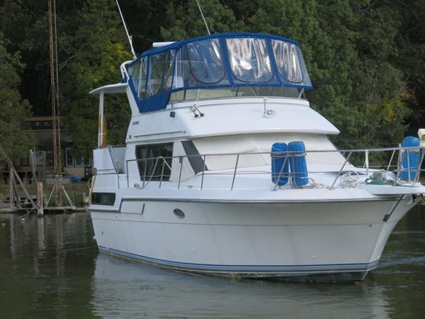 Carver 36 Aft Cabin Motoryacht