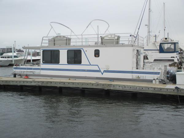 Catamaran Cruisers Vagabond 42x12 Port View 1