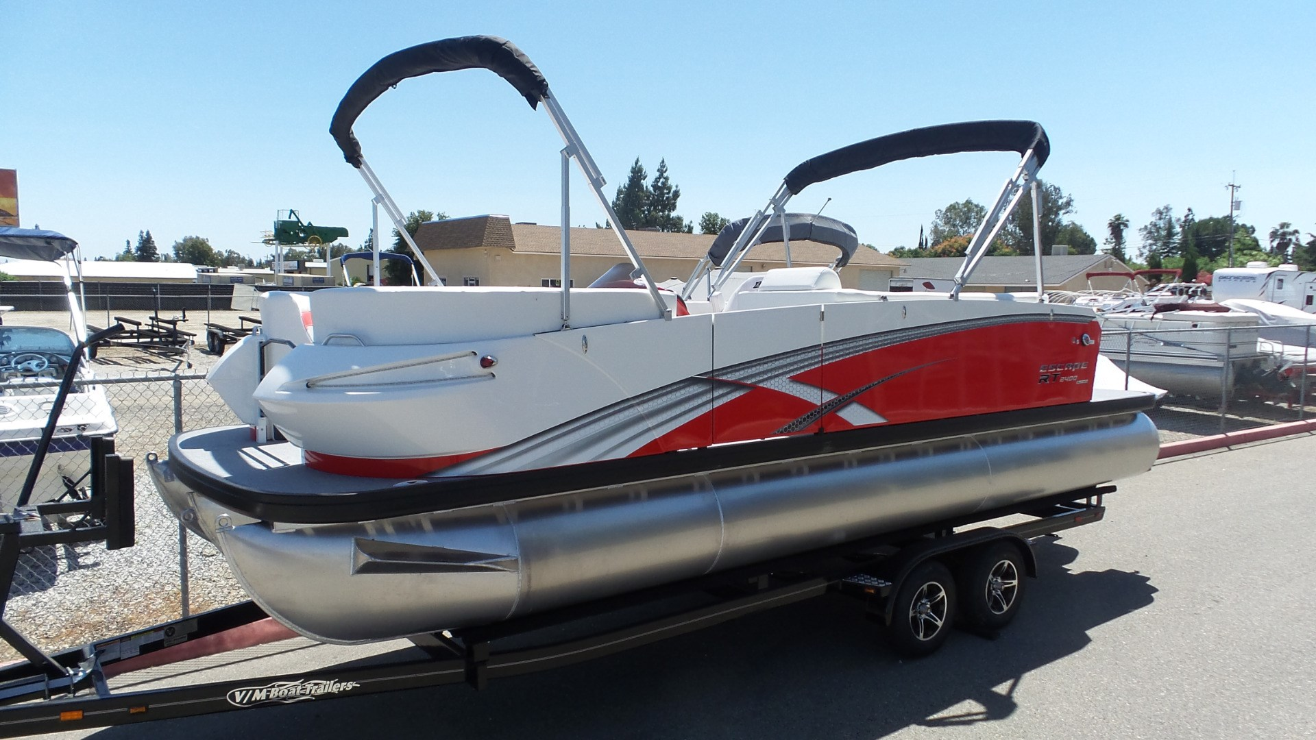 Larson Speed Boats Images