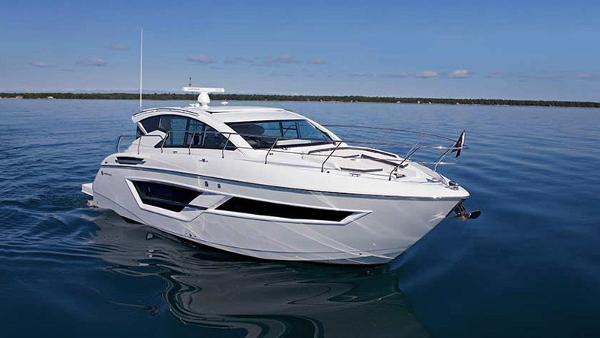 Cruisers Yachts 46 Cantius Profile