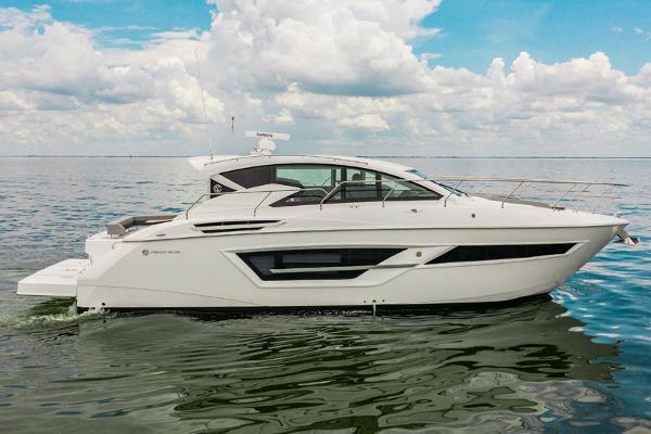 Cruisers Yachts 46 Cantius Profile