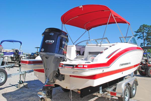 Chaparral 230 Suncoast Bowrider B9120_2016_CHAPARRAL_230_SUNCOAST_TRANSOM_VIEW