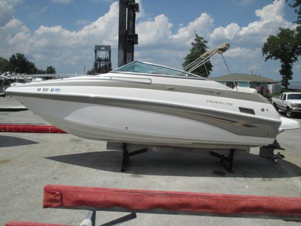 Crownline 235 CCR Port View