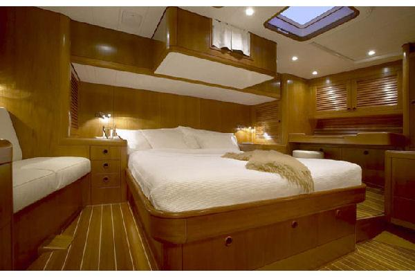 Nautor Swan 75 FD Owner's Cabin