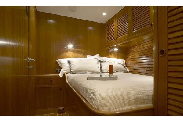 Nautor Swan 75 FD Guest Cabin