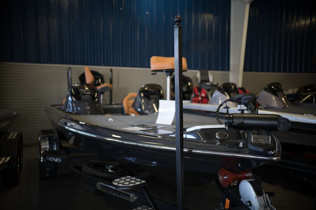 Legend Bass Boats V20 Bass