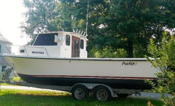 Parker 2520 Sport Cabin