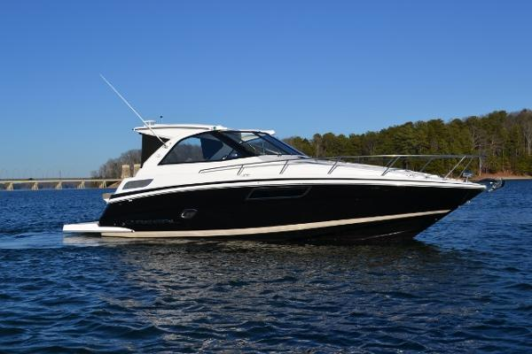 Regal 35 Sport Coupe with Twin 300s Starboard profile
