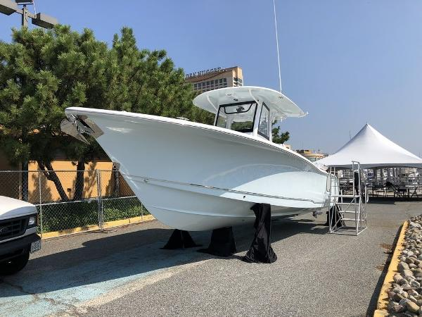 Sea Hunt Gamefish 30 Forward Seating