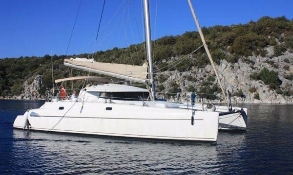 Fountaine Pajot 38