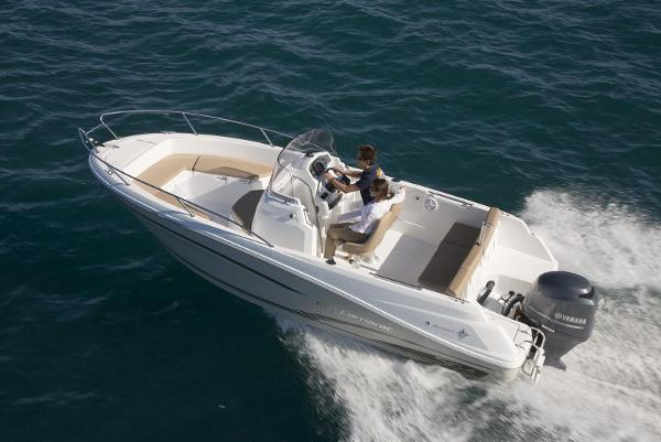 Jeanneau Cap Camarat 6.5 CC JEANNEAU CAP CAMARAT 6.5 CC - SEVEN YACHTS