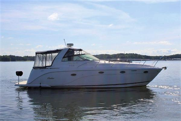 Rinker 410 Express Cruiser Starboard profile