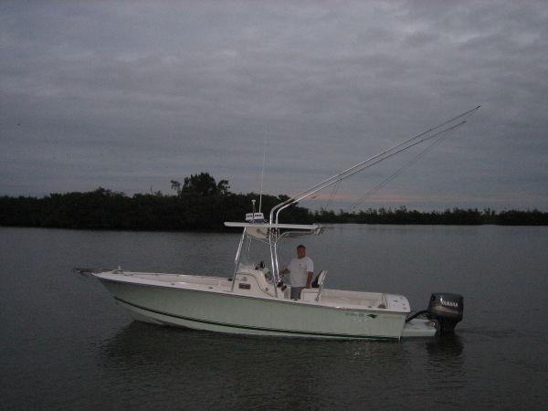 Silverhawk 24 Outboard Center Console Photo 1