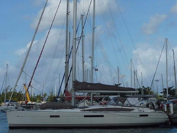 Jeanneau 53 Cruising Sailboat Profile