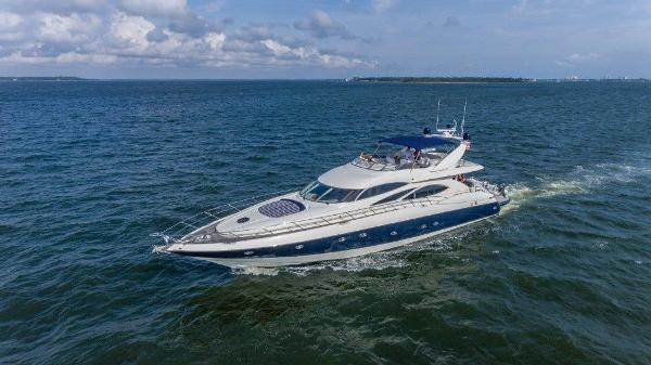 Sunseeker Manhattan 84 Profile Port Forward Aft
