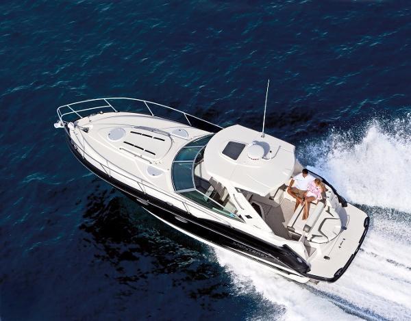 Monterey 335 Sport Yacht