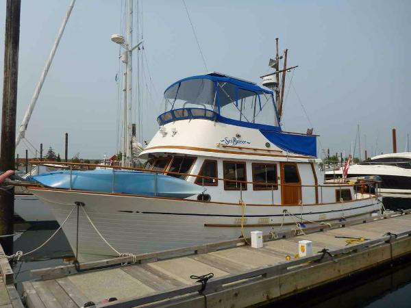 Grand Mariner 38 Tri Cabin Trawler