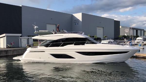 Bavaria R55 Fly Actual boat