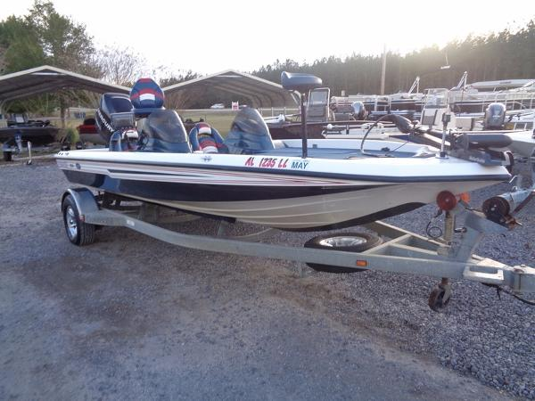 Champion Boats 190 Bass Boat