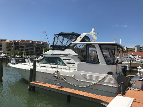 Sea Ray 440 Aft Cabin PORT VIEW