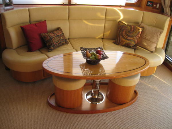 Salon Sofa and Settee