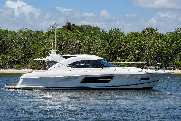 Riviera Sport Yacht WINGS