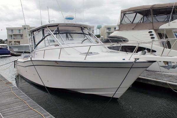 Grady-White 330 Express Starboard Bow Profile