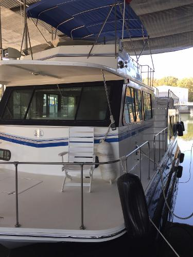 Harbor Master 520 WB Pilothouse Covered forward deck
