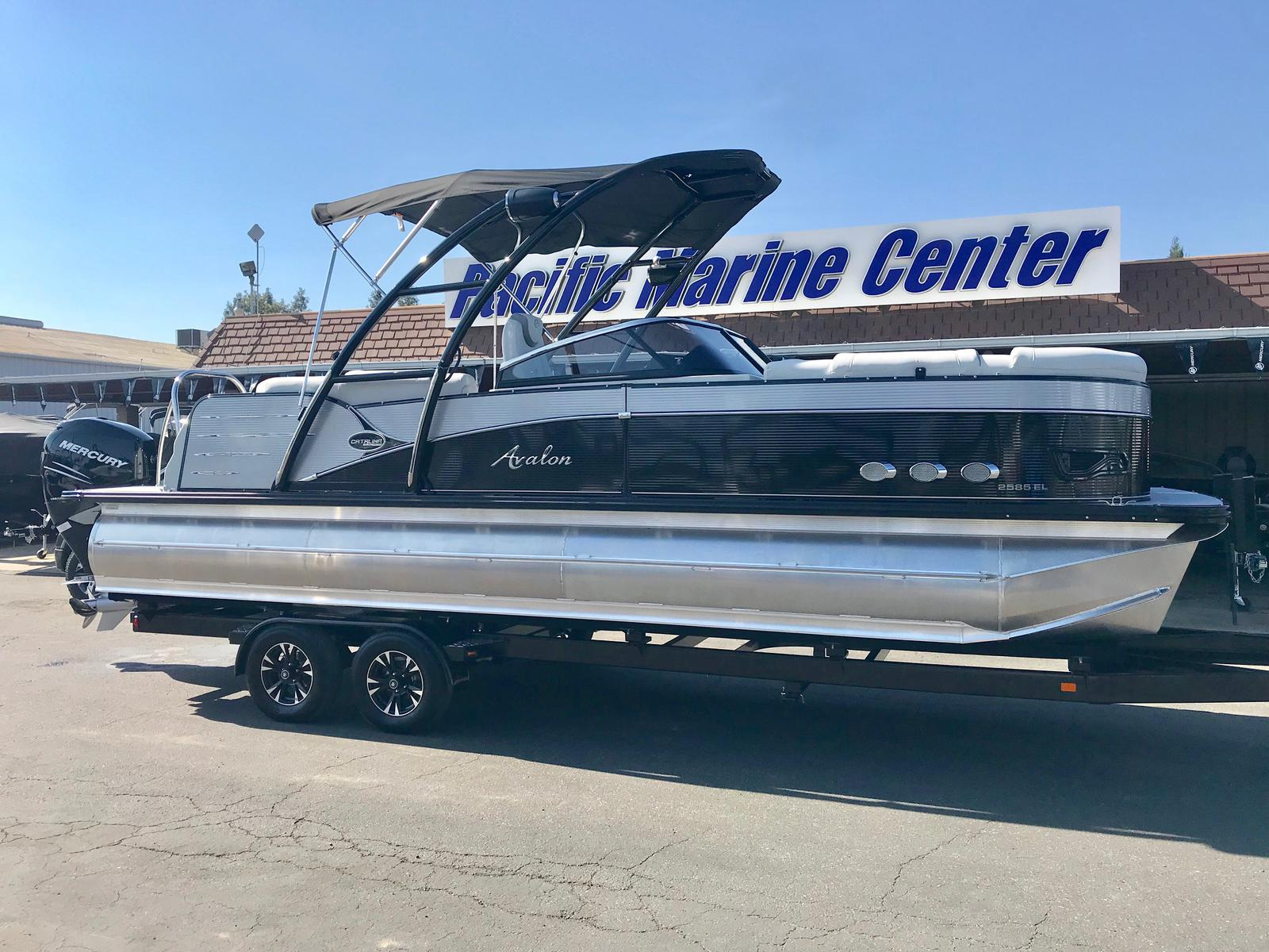 Avalon CATALINA PLAT ELITE WINDSHIELD 25 With a 350 HP Verado engine!