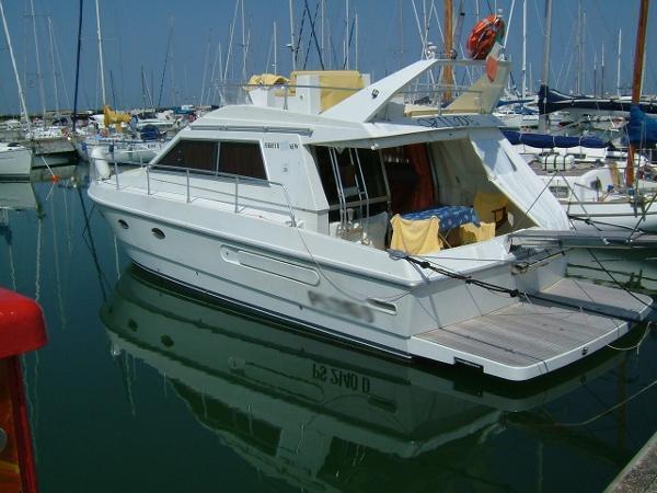 Ferretti Yachts ALTURA 36 Immagine%207
