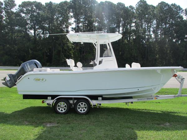 Sea Hunt 225 Ultra