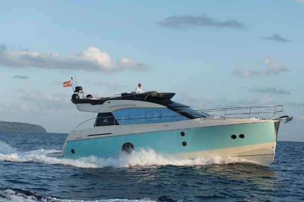 Monte Carlo 5 by Beneteau Starboard Running Profile