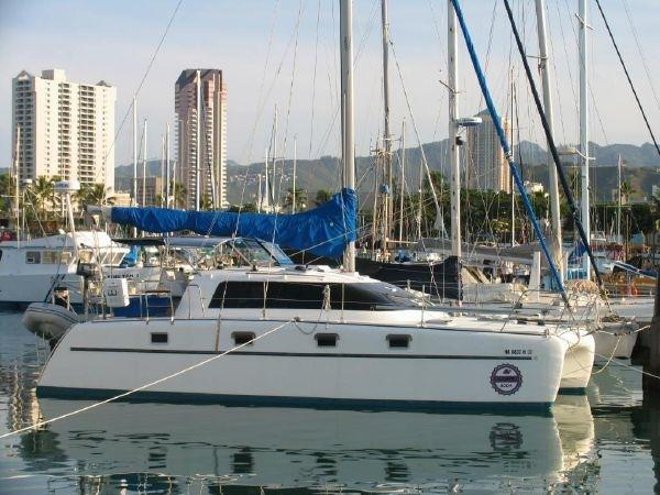 Endeavour Catamaran 35