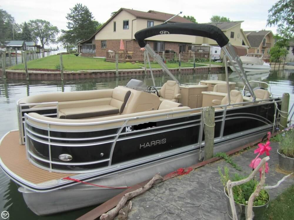 Harris Sunliner 240 2015 Harris 240 Sunliner for sale in Chesterfield, MI