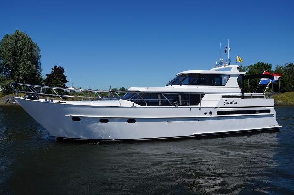 Pacific Verhoeven Royal 49