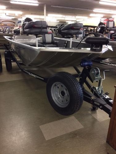Lowe Boats Stryker 16