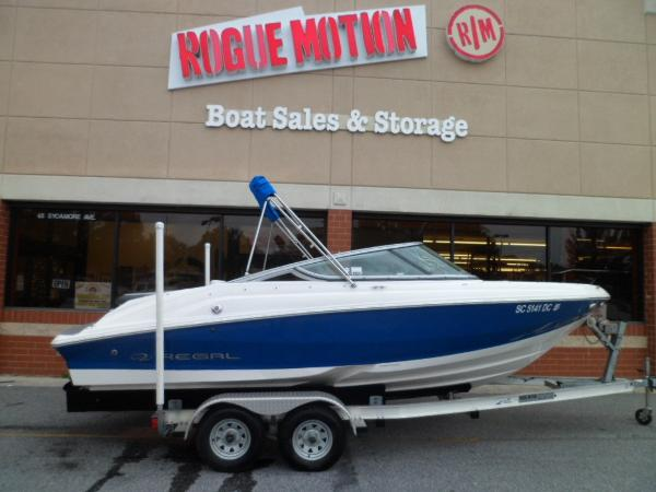 Regal 2000 Bowrider STARBOARD ON TRAILER