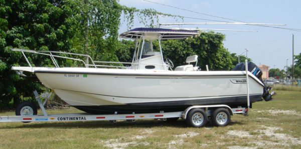 Boston Whaler 260 Outrage Photo 1