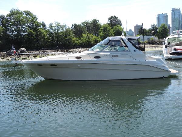 Sea Ray 330 Sundancer Portside profile.