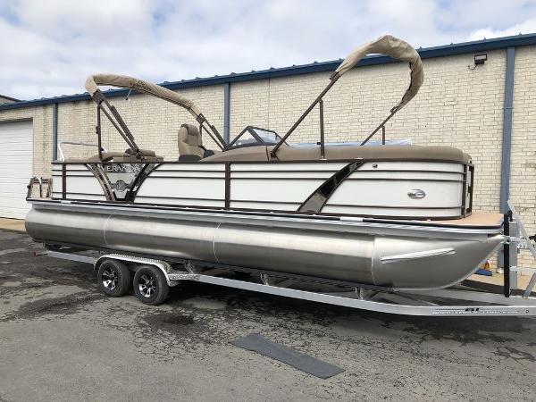 Veranda VTX25RFL Luxury Tri-Toon