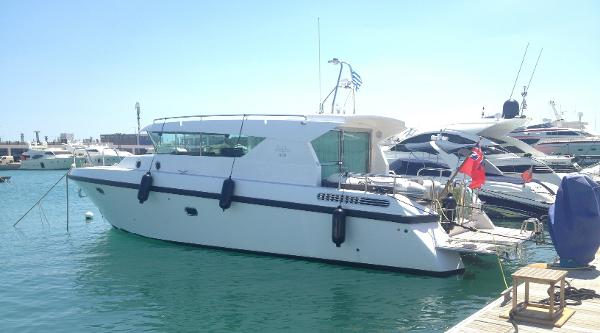 Delta Powerboats 400 SW
