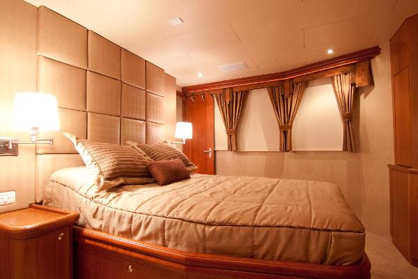 Stateroom Salon level