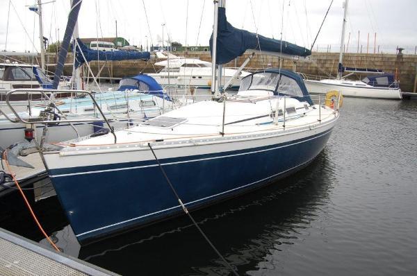 Elan 333 Elan 333 Built 2002